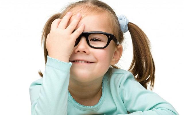 Астигматизм у детей первого